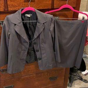 Ann Taylor 2 pc skirt suit